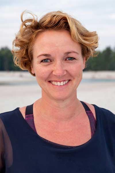Mariska Leegte Vinyasa yogadocent Fysiotherapeut Yoga Zuidlaren